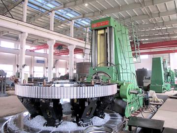 Φ8米滚齿机